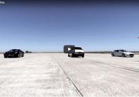 VIDEO: Elektriskais 900 zirgspēku furgons dragreisā sacentās ar Tesla un Ferrari