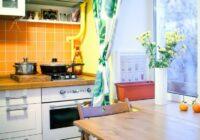 11 lieliskas idejas, kā mazā virtuvē lietderīgi izmantot palodzi