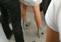 Palūdzu draugiem, lai metro nofotogrāfē briesmīgākos sieviešu apavus. Lūk, rezultāts (+FOTO)