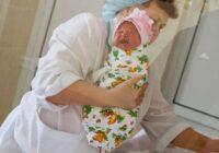 Anna nolēma atteikties no jaundzimušā. Medmāsas rīcība lika viņai pārdomāt