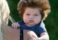 Tik piemīlīgi: Kā tagad izskatās puisītis ar neparasti biezajiem matiem