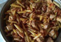 Interesants tatāru paņēmiens, kā pagatavot makaronus ar gaļu