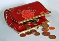 Nenēsājiet šīs lietas makā, ja vēlaties kļūt par bagātu cilvēku