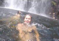 Meitene filmēja sevi pie ūdenskrituma un nejauši nofilmēja šo. Cilvēkiem redzot šo video asaras tecēja pār vaigiem kā pupas