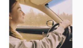 Influencere Evelīna Pārkere tikusi pie šika auto; Ļaudis spriež, vai tiešām ar Instagram var tā nopelnīt
