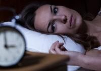 Bieža pamošanās naktī: Par kādām saslimšanām tā mūs brīdina