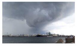 Dzeltenais brīdinājums – Latvijā gaidāms spēcīgs negaiss – detaļas rakstā