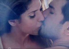 Skūpstīt ausi, vēderu vai pēdas? Erogēno zonu horoskops visām zodiaka zīmēm
