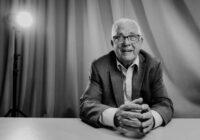 Ar skumju paziņojumu Latvijas medijiem klajā nācis maestro Raimonds Pauls